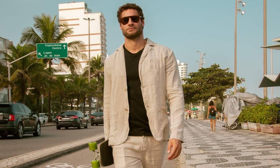 O empresário, chef, modelo e ex-nadador profissional peruano Franco Noriega em Ipanema Foto: Divulgação/Márcio Honorato