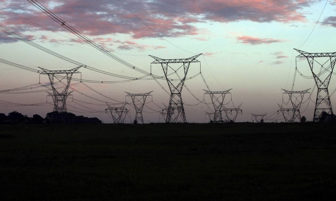 Linhas de transmissão de energia na região da usina hidrelétrica de Itaipu Foto: Dado Galdieri / Bloomberg