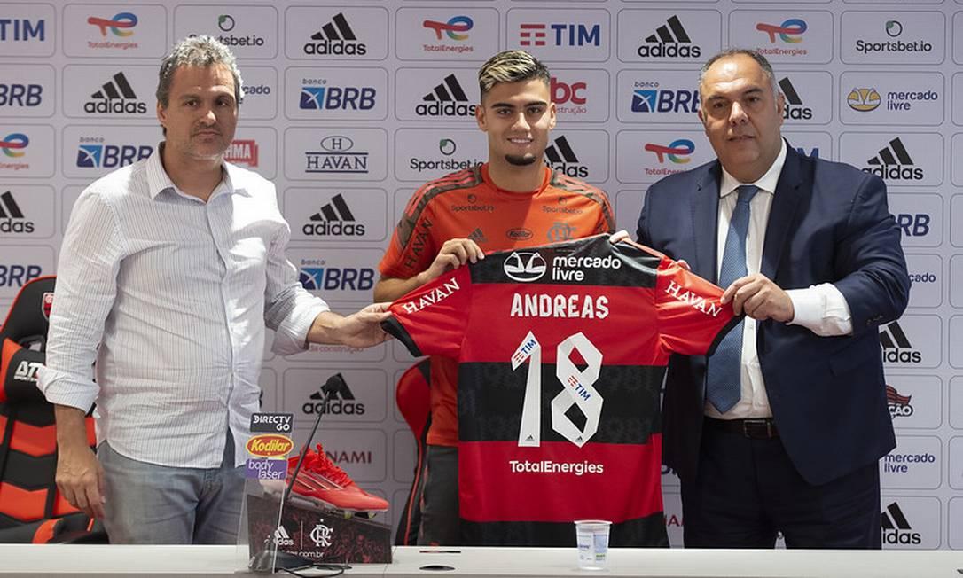 Andreas Pereira pode jogar tanto como armador quanto como jogador de maior proteção à zaga Foto: Alexandre Vidal/Flamengo