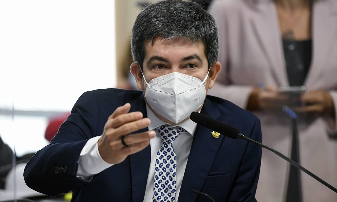 "Senador Randolfe Rodrigues (Rede-AP), vice-presidente da CPI da Covid: ""Omar tem dúvidas se devemos ouvir Karina Kufa"" Foto: Jefferson Rudy / Agência O Globo"