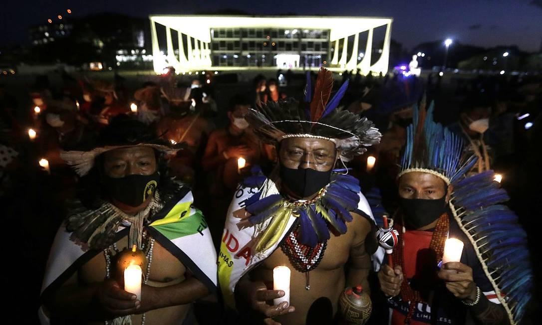 Manifestação indígena em frente ao Supremo Tribunal Federal (STF), e Brasília Foto: Cristiano Mariz / Agência O Globo