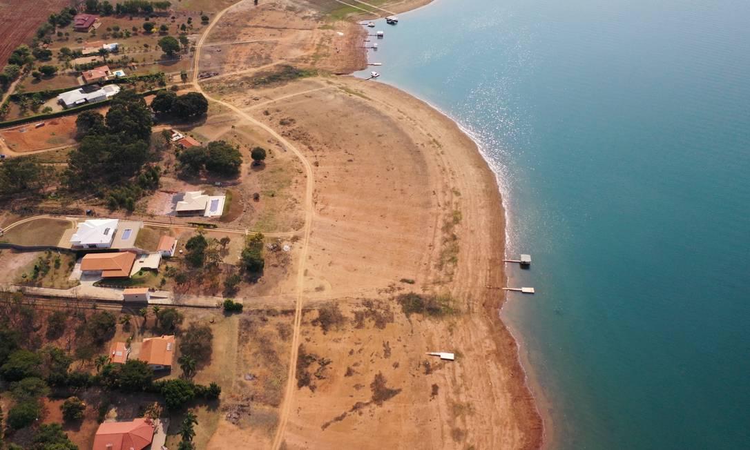 Barragem está localizada no curso médio do rio Grande, no trecho denominado