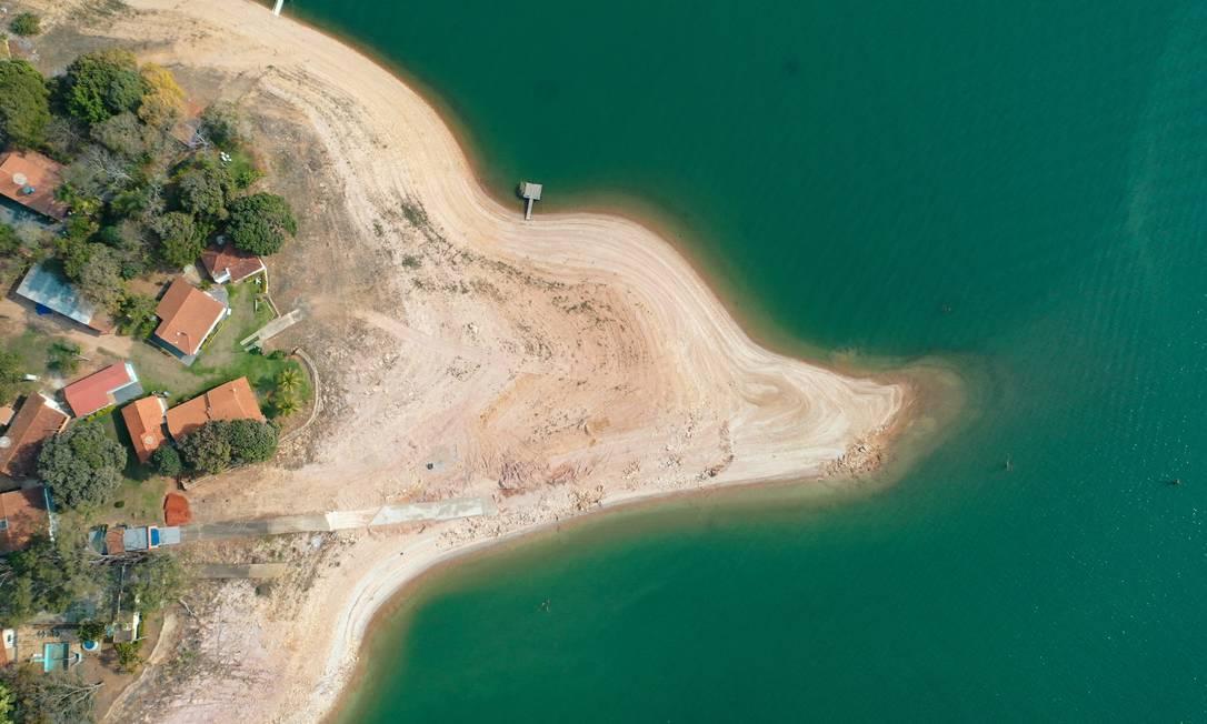 País terá de usar os estoques hídricos armazenados nas usinas para tentar evitar apagão e racionamento de energia neste ano Foto: Joel Silva / Agência O Globo