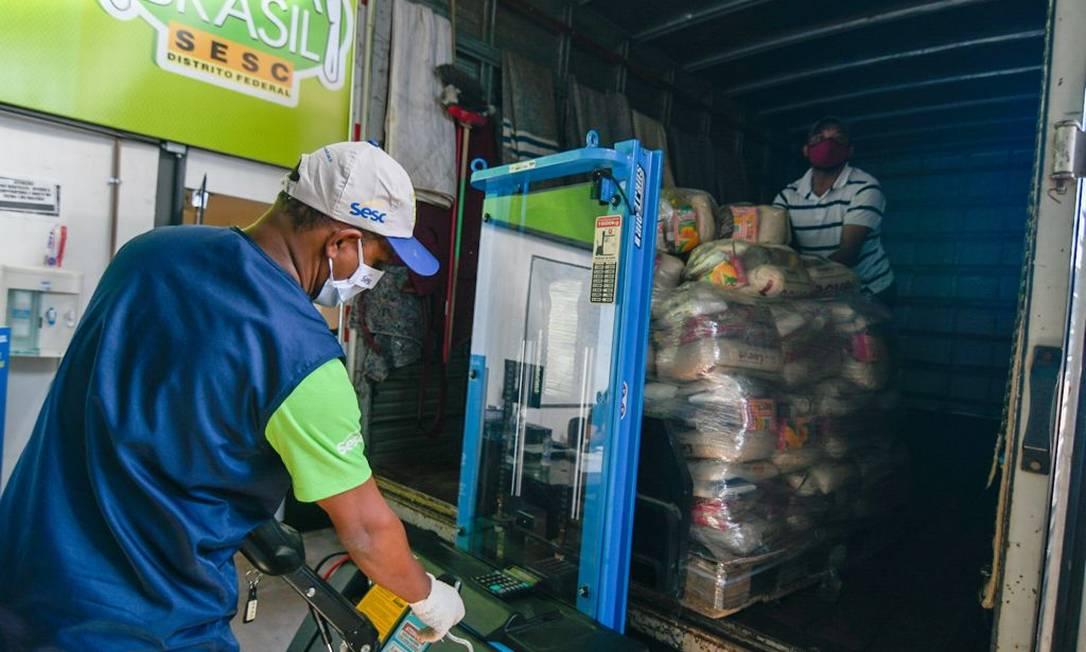 A campanha Mesa Brasil Urgente foi criada como forma de intensificar as ações de apoio, a partir da formação de uma rede de solidariedade com empresas e sociedade civil. Foto: Divulgação/Sesc