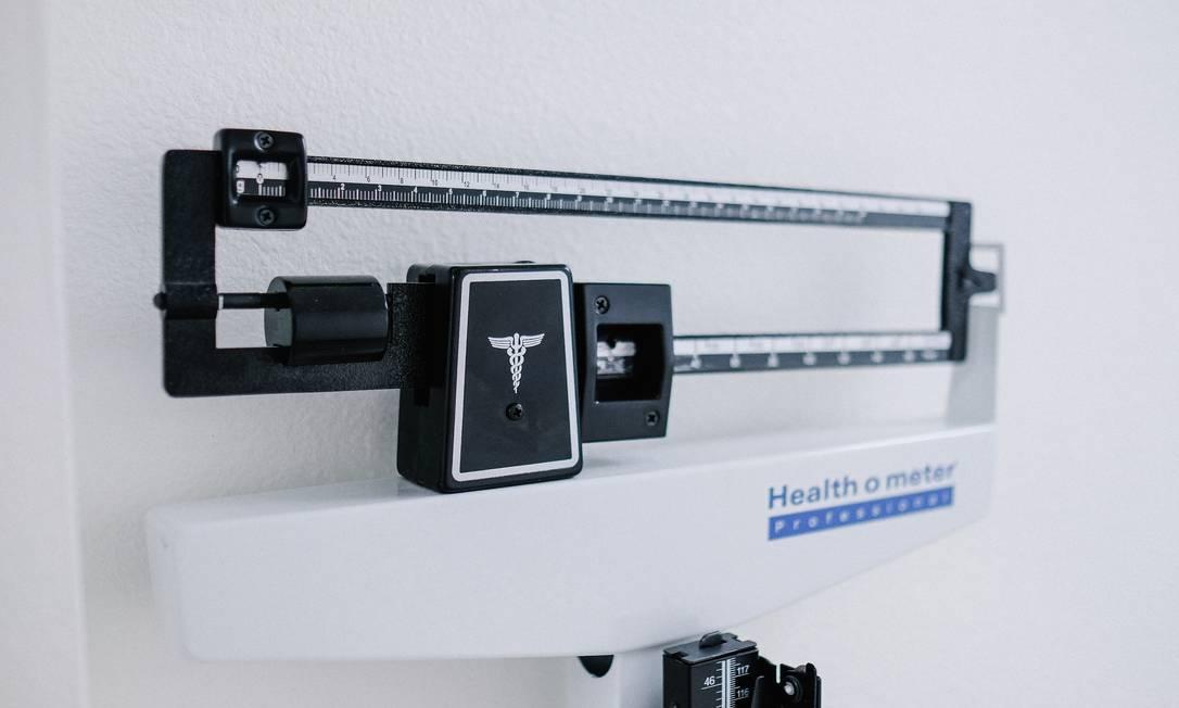 A obesidade é uma condição corporal presente em quase 20% dos brasileiros e pode favorecer o surgimento de doenças como hipertensão, diabetes e câncer Foto: Unsplash