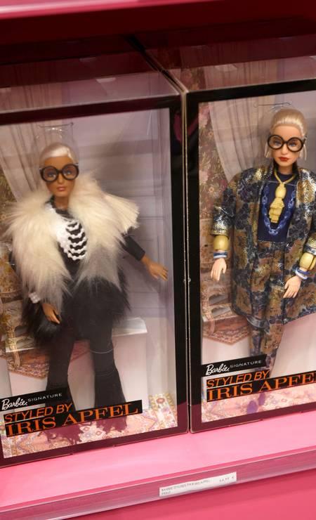 Iris, diga-se de passagem, já levou o seu estilo até para a boneca Barbie Foto: Kristy Sparow / Getty Images