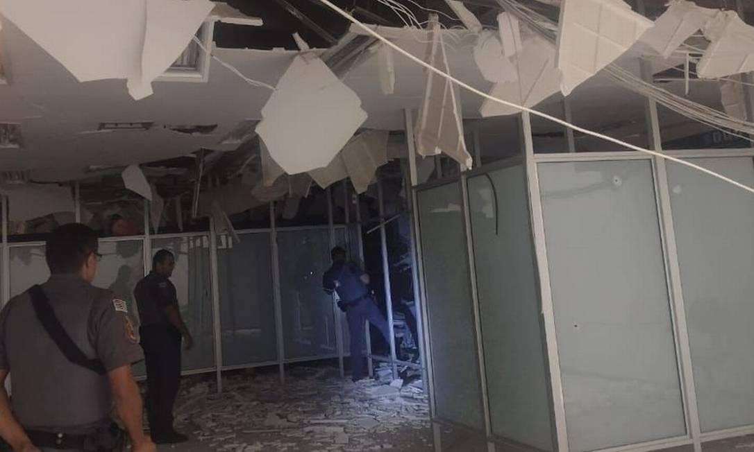 Agência da Caixa Econômica Federal ficou destruída após ataque em Araçatuba (SP) Foto: Arquivo pessoal/ Via G1