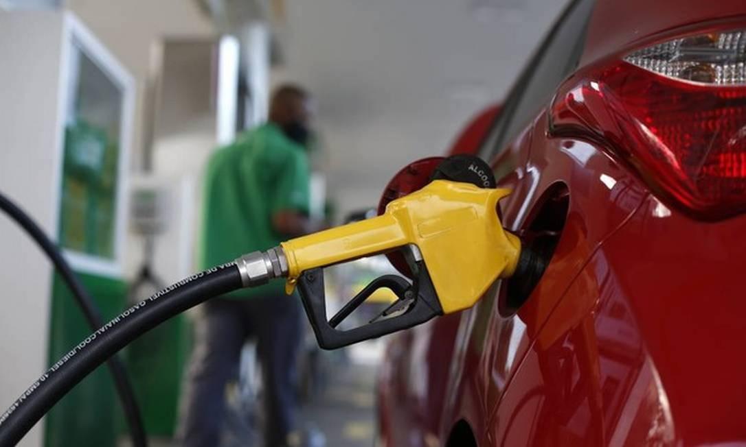 A gasolina já passa de R$ 7 em alguns postos Foto: Fábio Rossi