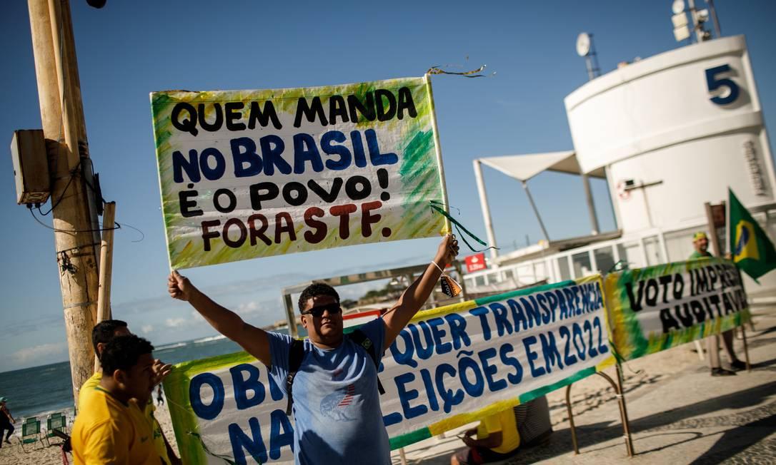 Na foto, manifestante participa de ato pró-Bolsonaro, em Copacabana 01/08/2021 Foto: Brenno Carvalho / Agência O Globo