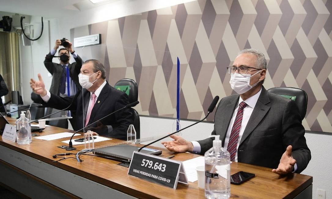Omar Aziz e Renan Calheiros durante a CPI da Covid Foto: Agência Senado