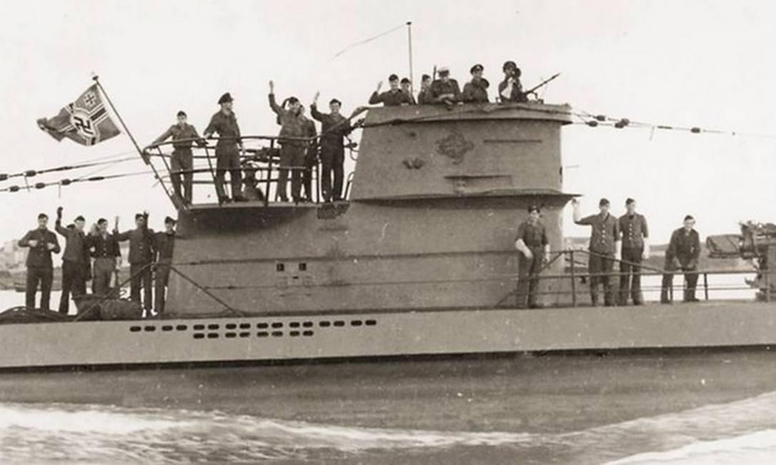 Tripulação alemã no submarino U-199, que naufragou pesqueiro no litoral de Arraial do Cabo, em 1943 Foto: Divulgação