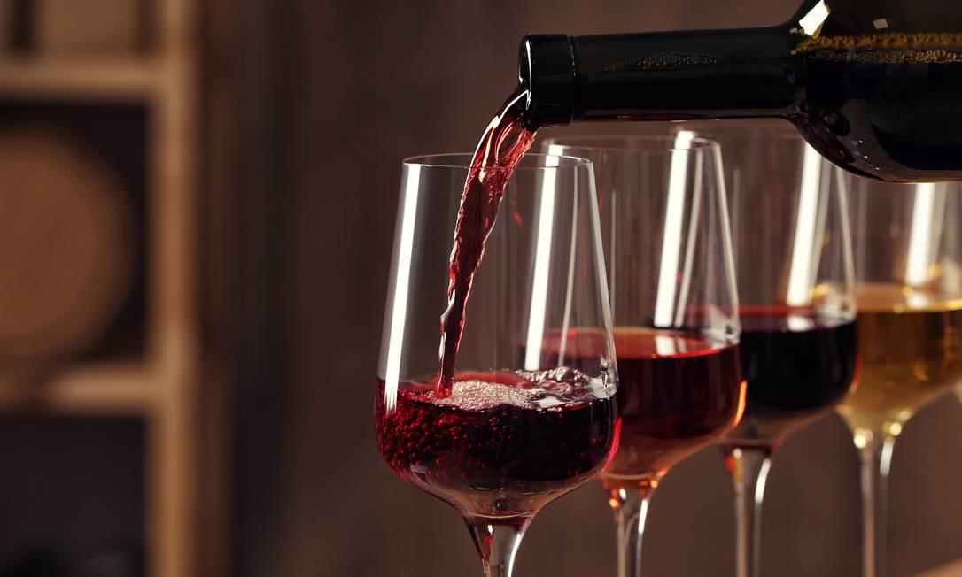 Consumo de álcool, ainda que moderado, pode desencadear uma anormalidade na frequência cardíaca, mostra estudo Foto: Shutterstock