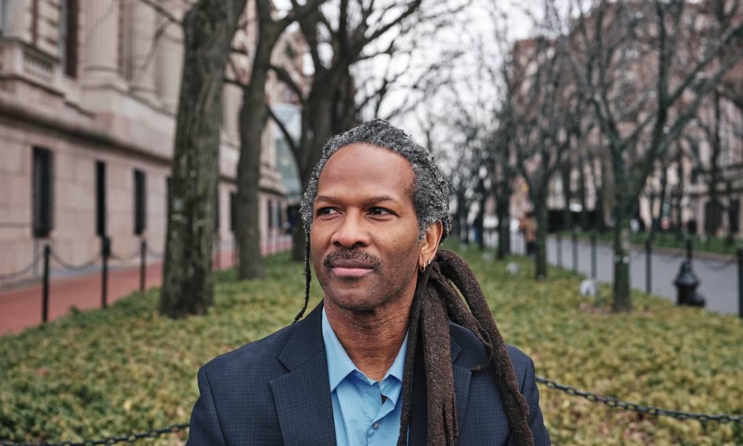 O neurocientista Carl Hart, na Universidade de Columbia Foto: SIMBARASHE CHA / Agência O Globo