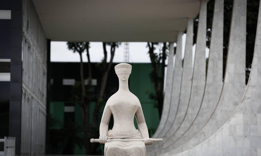 Estátua da Minerva, a alegoria da Justiça Foto: Pablo Jacob / Agência O Globo