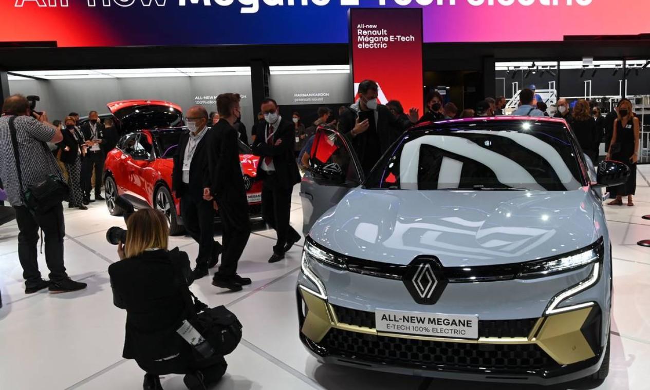 O novo Renault Megane E-Tech eletrico foi apresentado na feira alemã Foto: Christof Stache / AFP