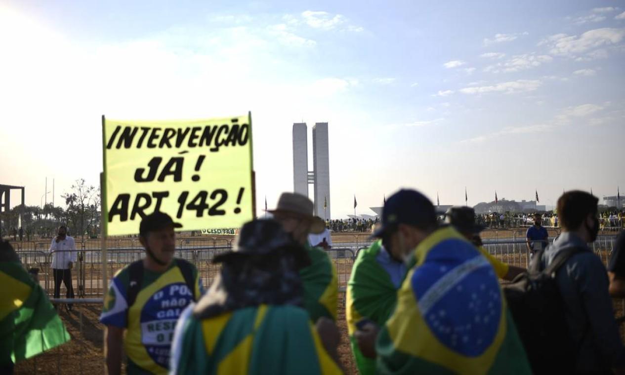 Apoiadores do presidente Bolsonaro protestam contra democracia em Brasília Foto: Mateus Bonomi / Agência O Globo