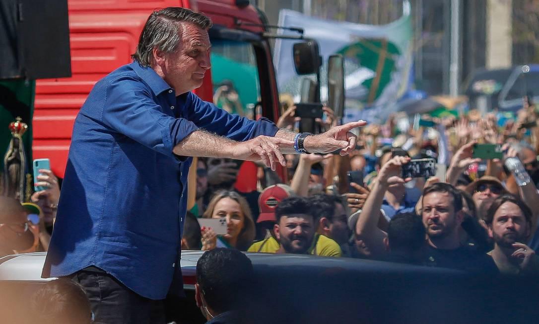 Bolsonaro discursa para apoiadores em ato antidemocrático, em Brasília Foto: SERGIO LIMA / AFP