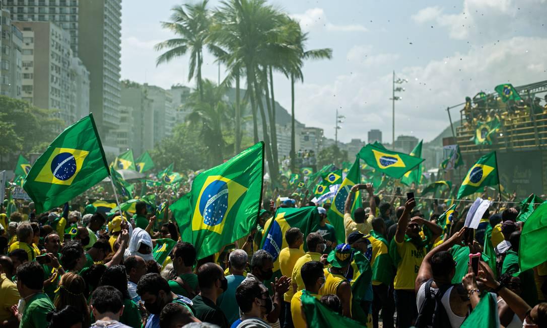 Manifestacao a favor de Bolsonaro em Copacabana Foto: Hermes de Paula / Agência O Globo
