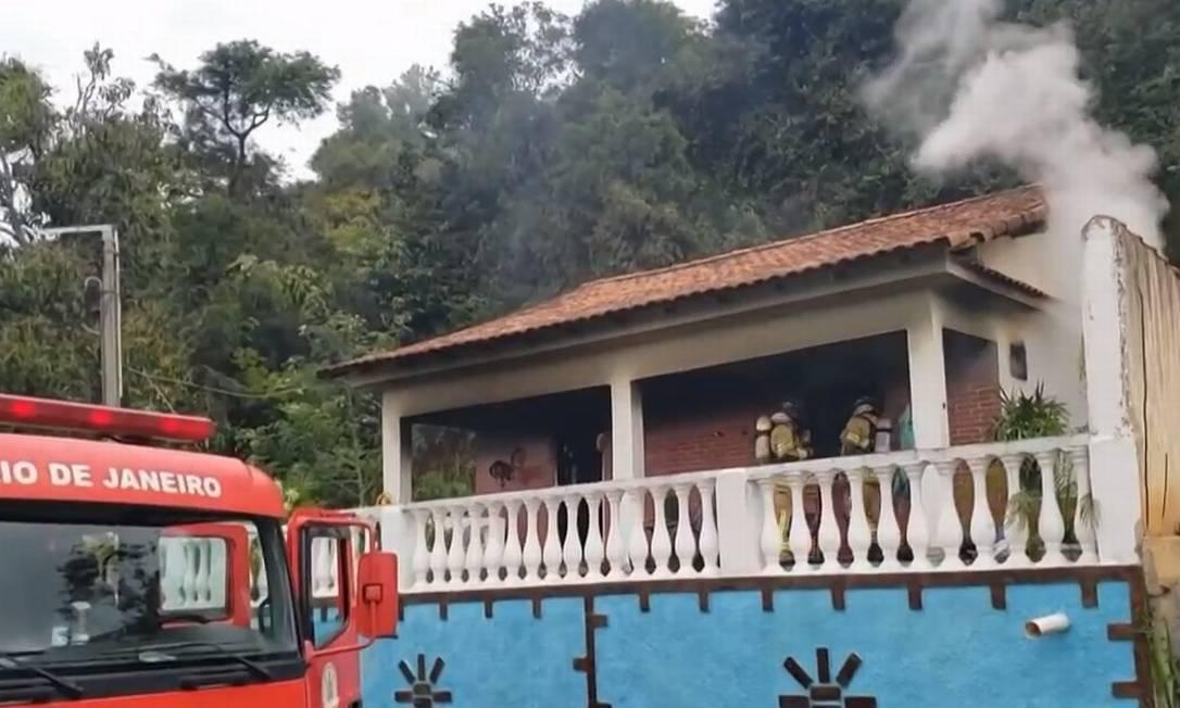 Homem colocou fogo em casa depois de agredir a filha e a esposa Foto: Reprodução/TV Globo