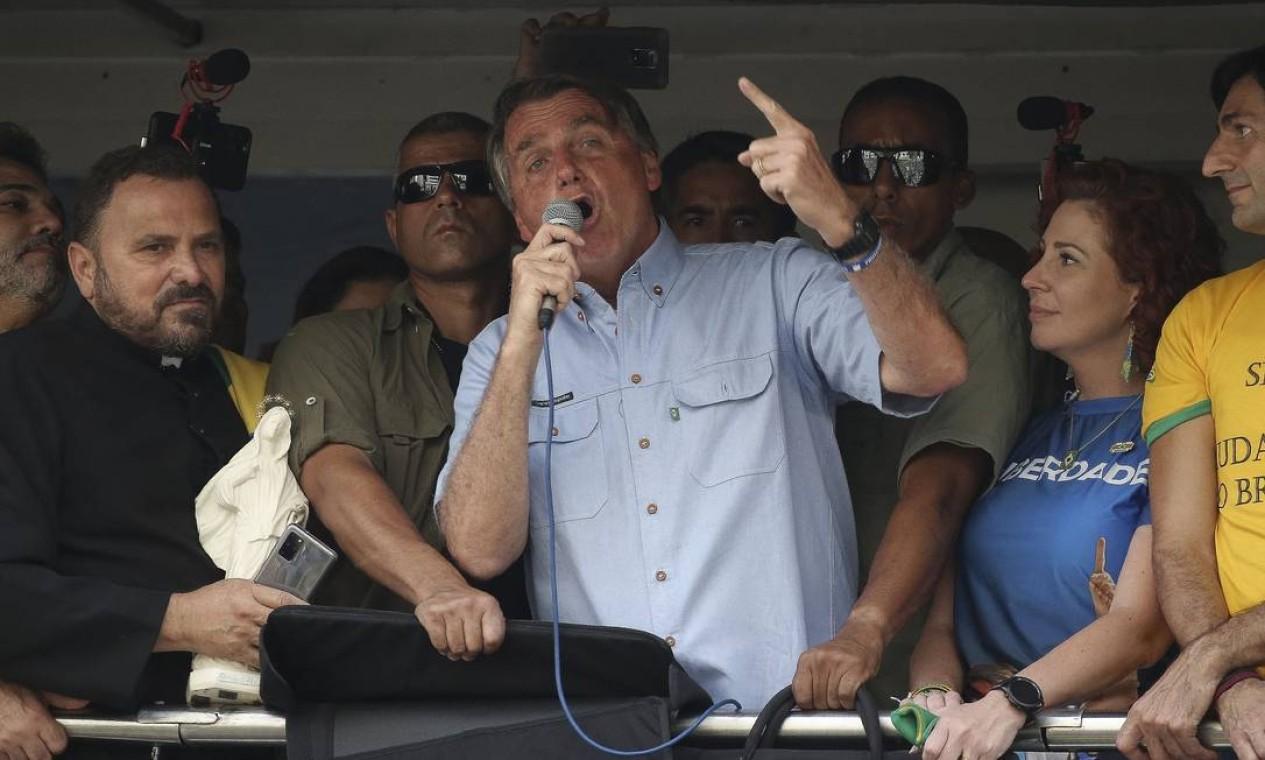 Presidente ataca STF e adota tom golpista em discurso para apoiadores na Avenida Paulista, em São Paulo Foto: Paulo Lopes / AFP