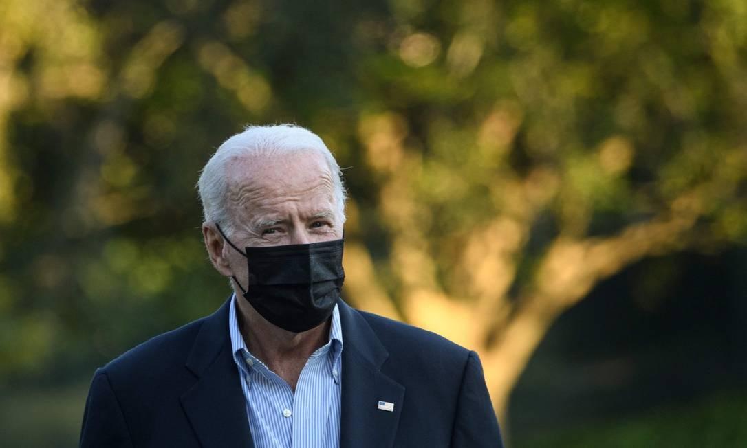 Presidente dos Estados Unidos, Joe Biden, ao retornar à Casa Branca após visita a estados devastados pelo furacão Ida Foto: NICHOLAS KAMM / AFP/7-9-21