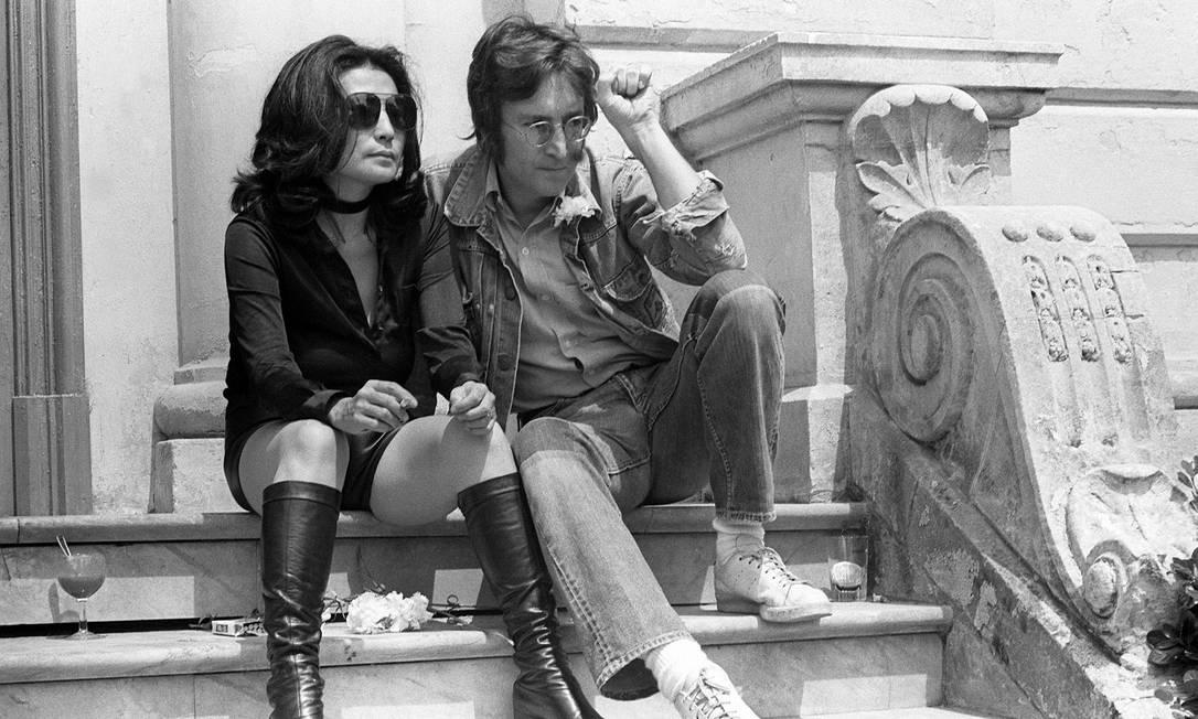 John Lennon e Yoko Ono no Festival de Cinema de Cannes, onde apresentaram os filmes 'Apotheosis' e 'The Flu' Foto: AFP/17-5-1971