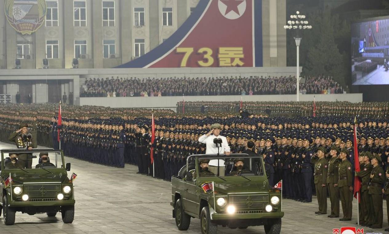 Parada militar comemora 73º aniversário da Coreia do Norte Foto: KCNA / via REUTERS