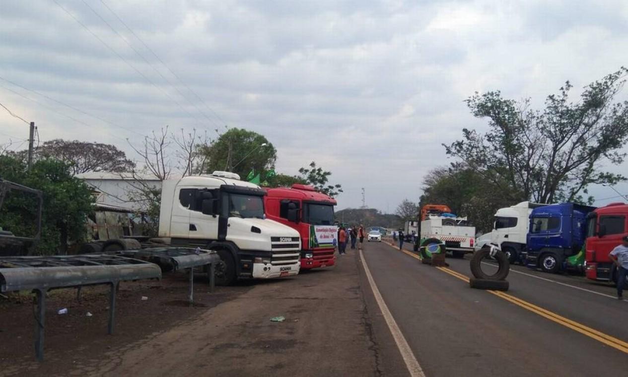 Caminhoneiros fazem protesto em Assaí, no Paraná Foto: Divulgação / Polícia Rodoviária Federal
