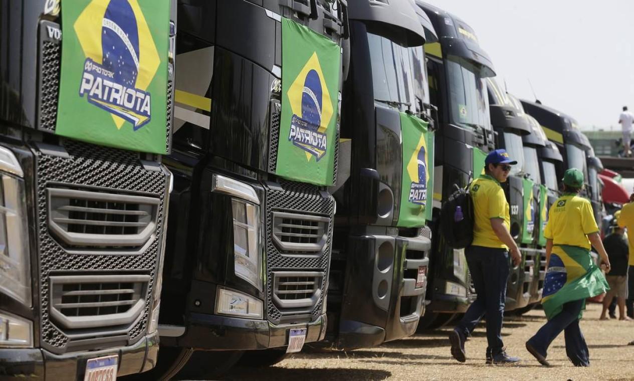 Caminhonheiros nacionalistas permaneceram em Brasília depois do 7 de setembro em apoio a Bolsonaro Foto: Cristiano Mariz / Agência O Globo 08/09/2021