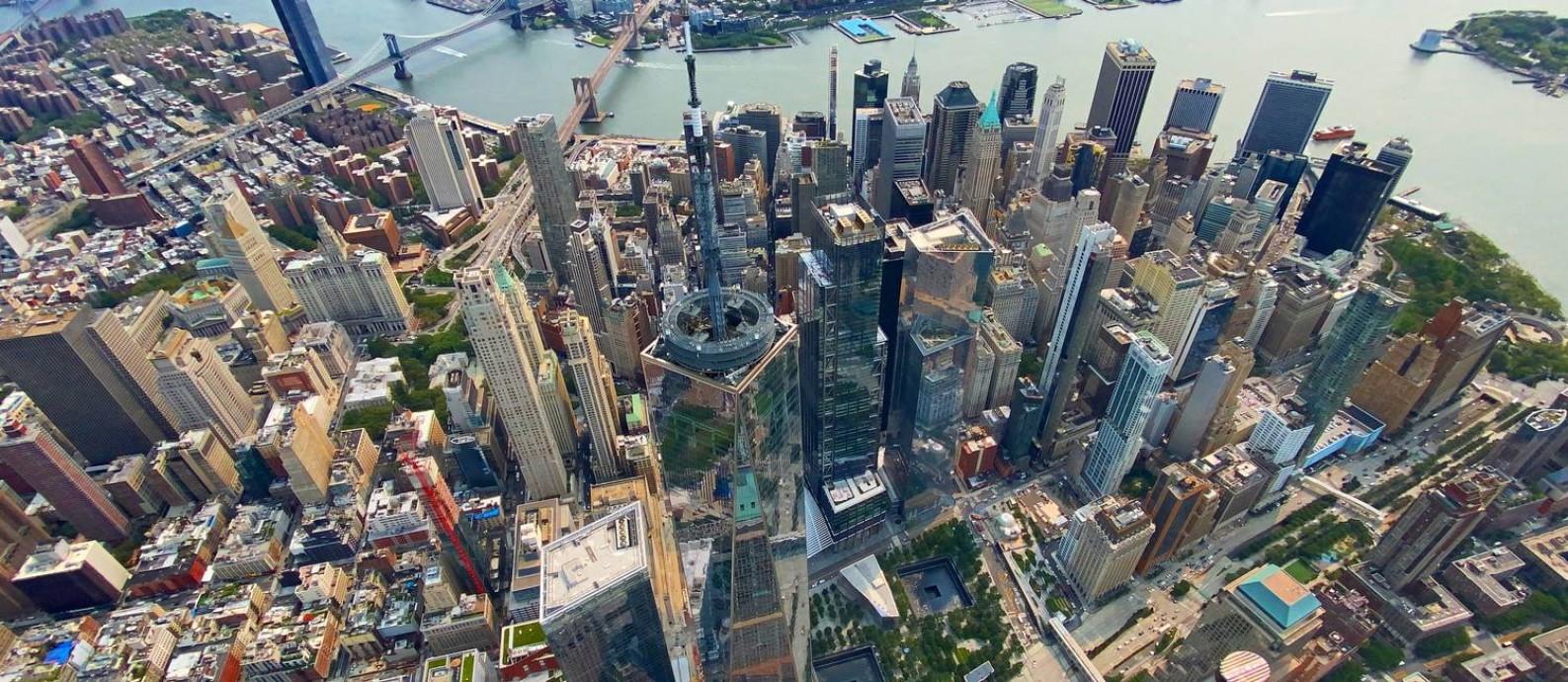 Vista aérea do WTC 1 e do Memorial do 11 de Setembro em Nova York Foto: Pedro Moreira / Agëncia O Globo
