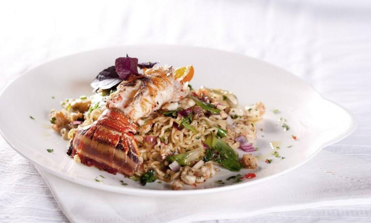 Com lagosta, em receita de Morena Leite Foto: Reprodução