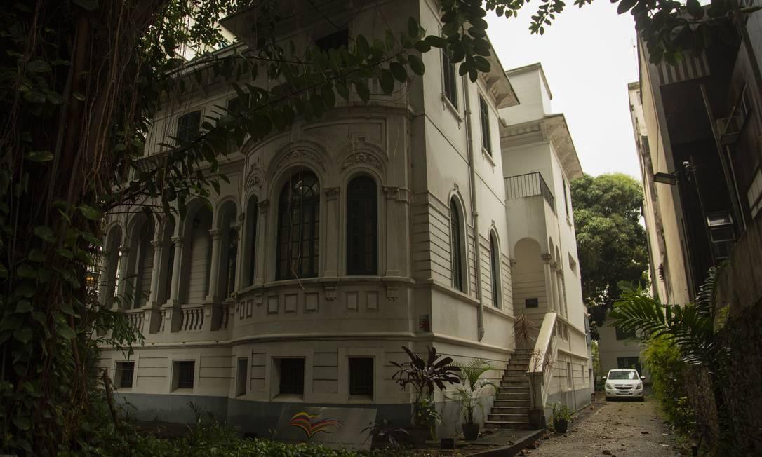A Casa Afonso Arinos, em Botafogo, Zona Sul do Rio, abriga hoje o acerto do ex-político e jurista Foto: Gabriel Monteiro / Agência O Globo