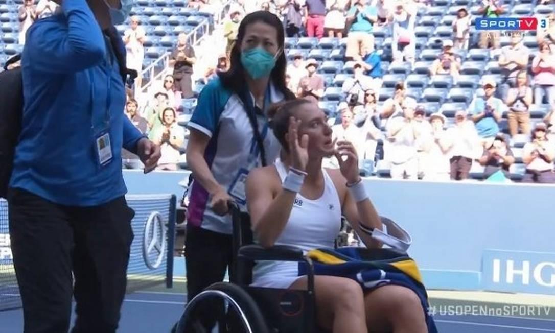 Luia Stefani deixa a quadra de cadeira de rodas no US Open Foto: Reprodução
