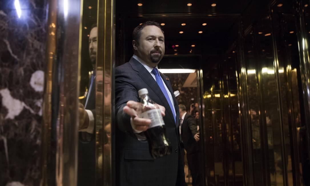 Ex-assessor de Trump, Jason Miller amplia influência com os Bolsonaro Foto: RUTH FREMSON / NYT