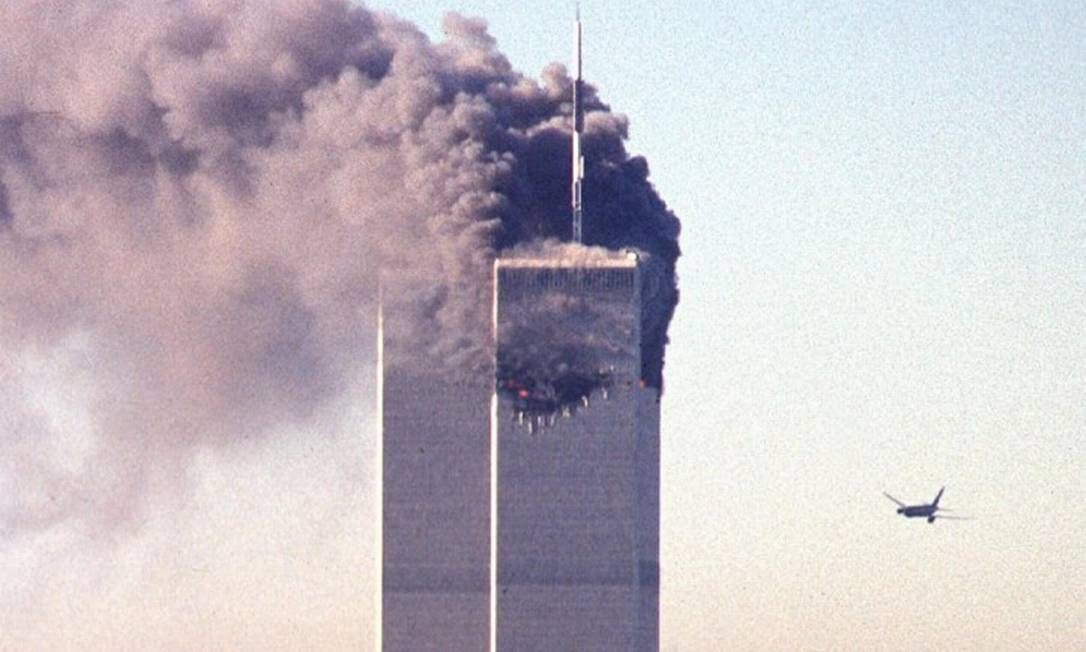 Voo 175 da United Airlines segundos antes de colidir com a Torre Sul do World Trade Center Foto: SETH MCALLISTER / AFP/11-9-21