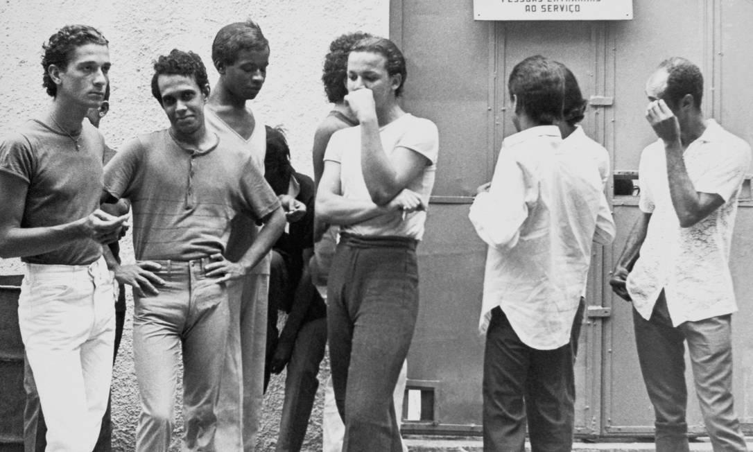 """Imagens do livro """"Contra a Moral e os Bons Costumes - A ditadura e a repressão à comunidade LGBT"""", de Renan Quinalha / Crédito: Reprodução Foto: Agência O Globo"""