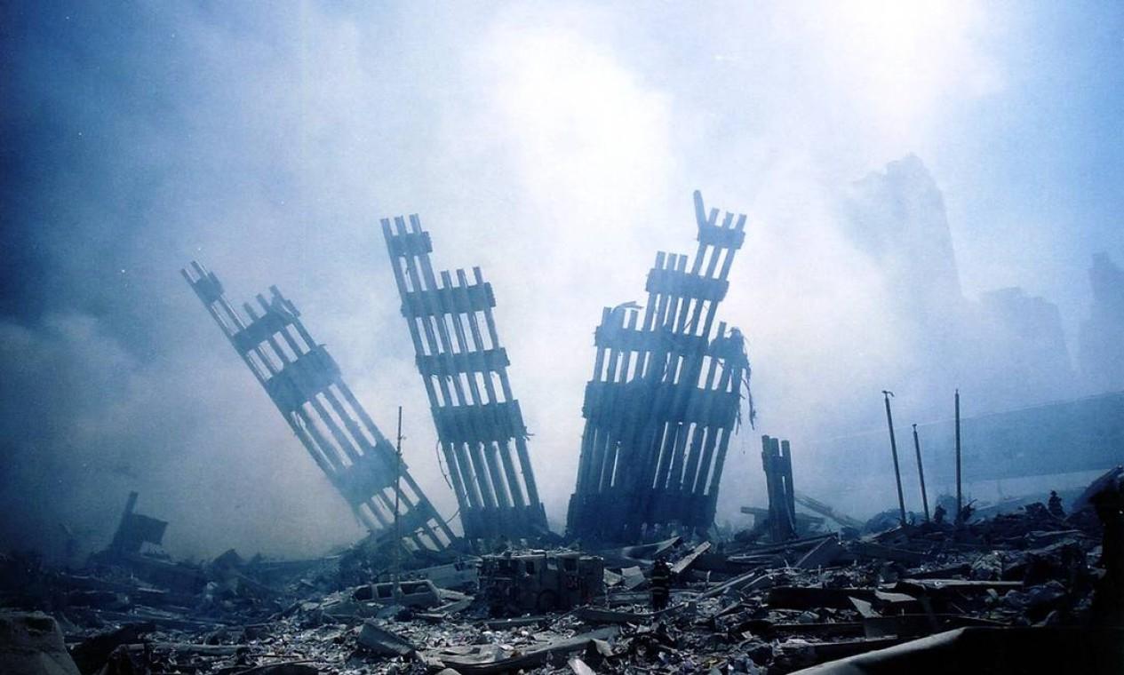 Destroços das torres gêmeas do World Trade Center no dia do atentado Foto: ALEXANDRE FUCHS / AFP