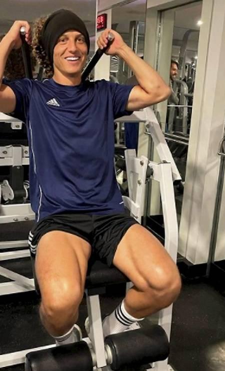 Jogador David Luiz se exercitando Foto: Foto Reprodução/Instagram / Agência O Globo