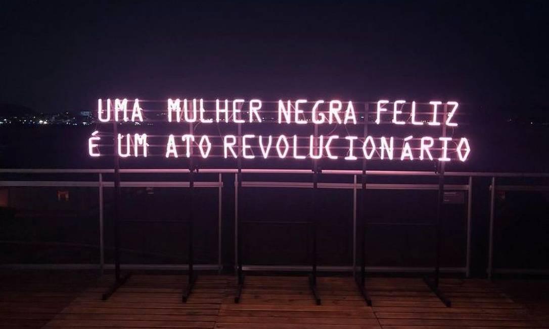 'Luz negra': a obra de Monica Ventura foi um das mais compartilhadas nas redes Foto: reprodução