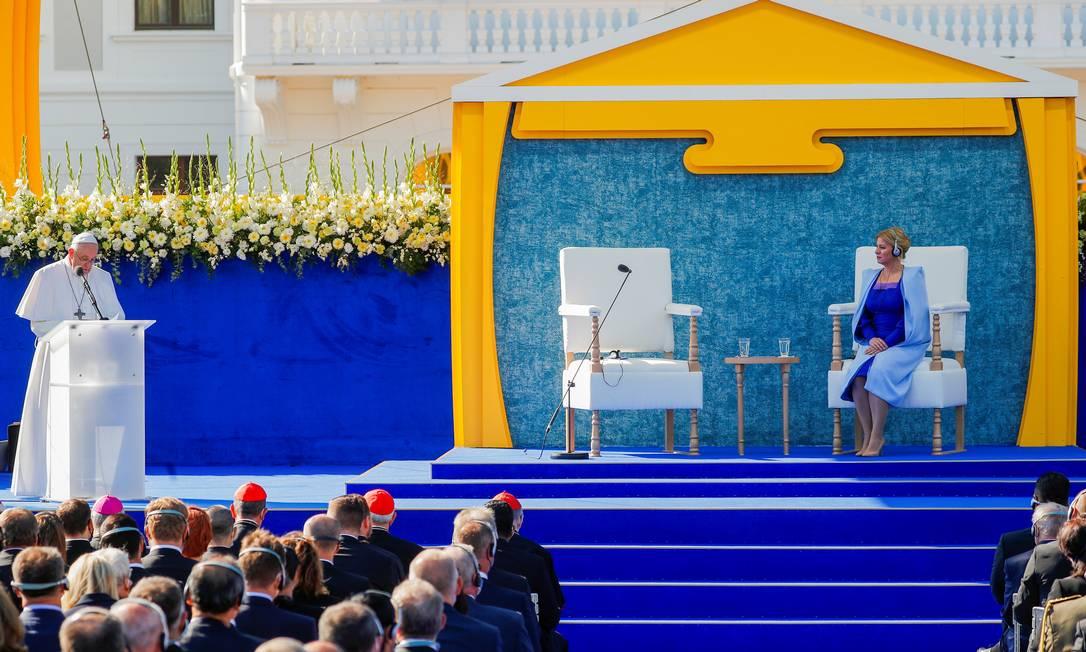 Papa Francisco discursa diante da presidente Zuzana Caputova e funcionários do governo em Bratislava, capital da Eslováquia Foto: REMO CASILLI / REUTERS