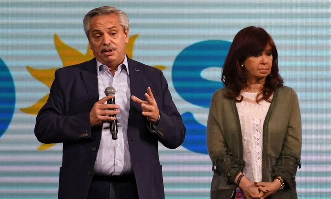 Alberto Fernández e Cristina Kirchner durante discurso após resultados de eleição primária ser confirmado Foto: MAXIMILIANO LUNA / AFP/12-9-21