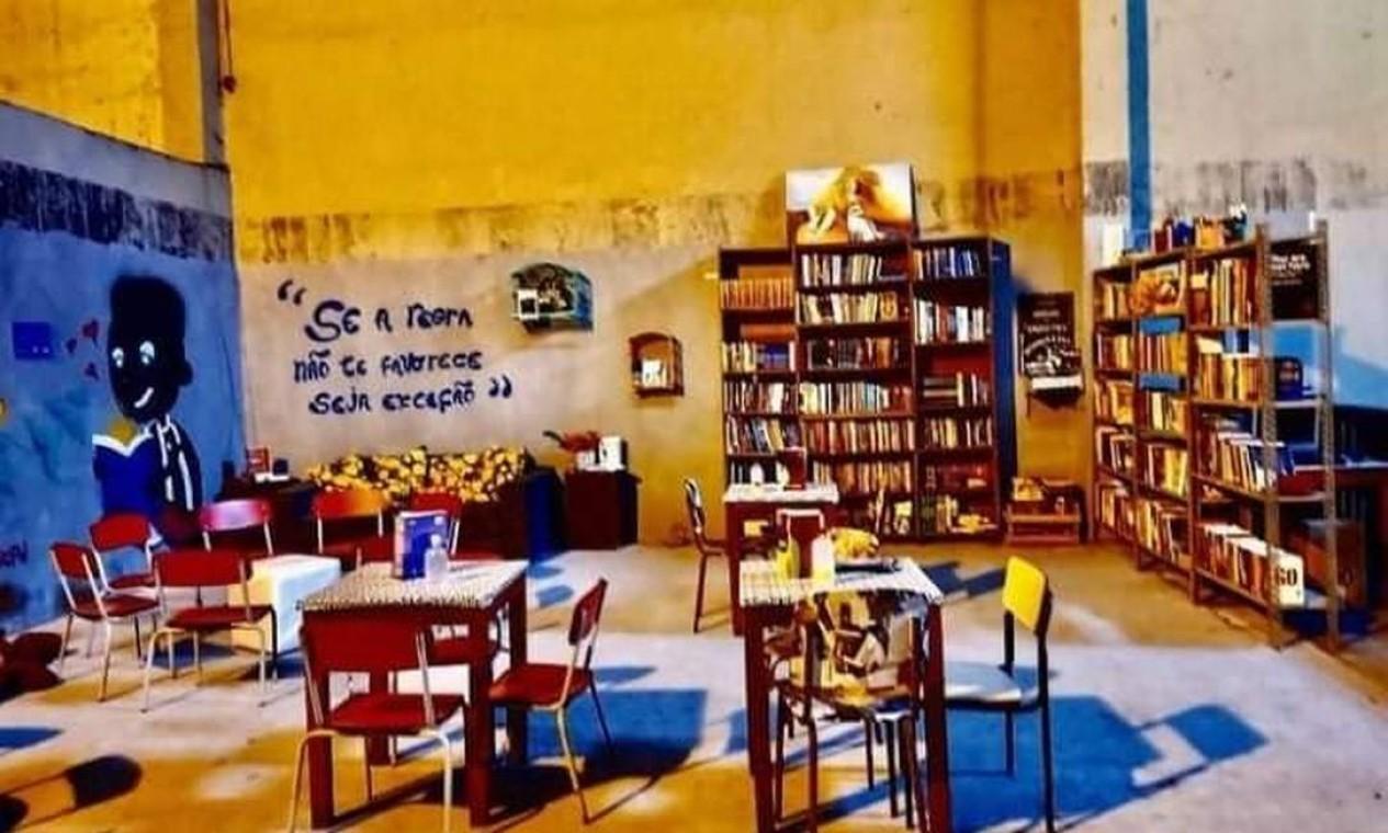Biblioteca Helio de la Peña, no Complexo do Caju Foto: Favelivro / Divulgação