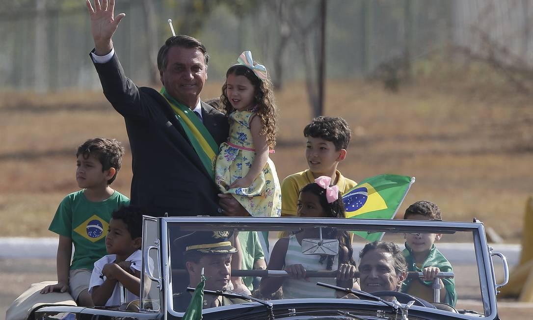Presidente Jair Bolsonaro durante cerimônia de hasteamento da Bandeira Foto: Cristiano Mariz / Agência O Globo