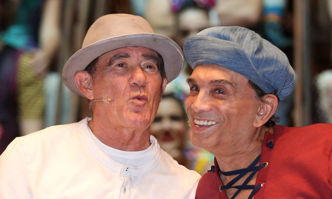 """Renato Aragão e Dedé Santana no musical """"Os Saltimbancos Trapalhões"""" Foto: Roberto Moreyra"""