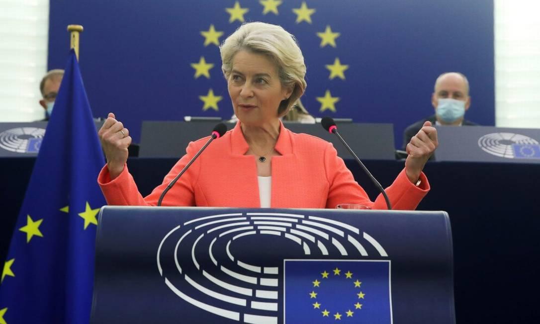 Presidente da Comissão Europeia, Ursula von der Leyen, durante discurso no Parlamento Europeu Foto: YVES HERMAN / REUTERS