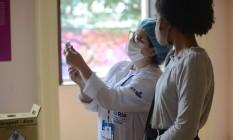 Vacinação de adolescentes no Palácio da República, no Rio de Janeiro Foto: FramePhoto / Agência O Globo