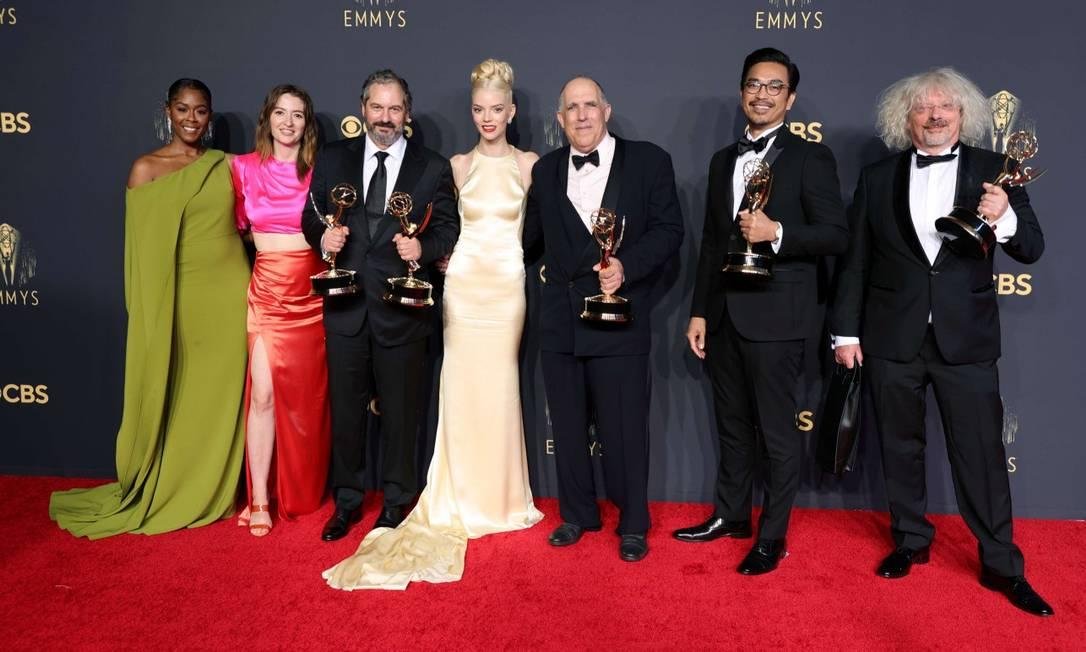 """A equipe de """"O gambito da rainha"""", melhor minissérie Foto: Rich Fury / AFP"""