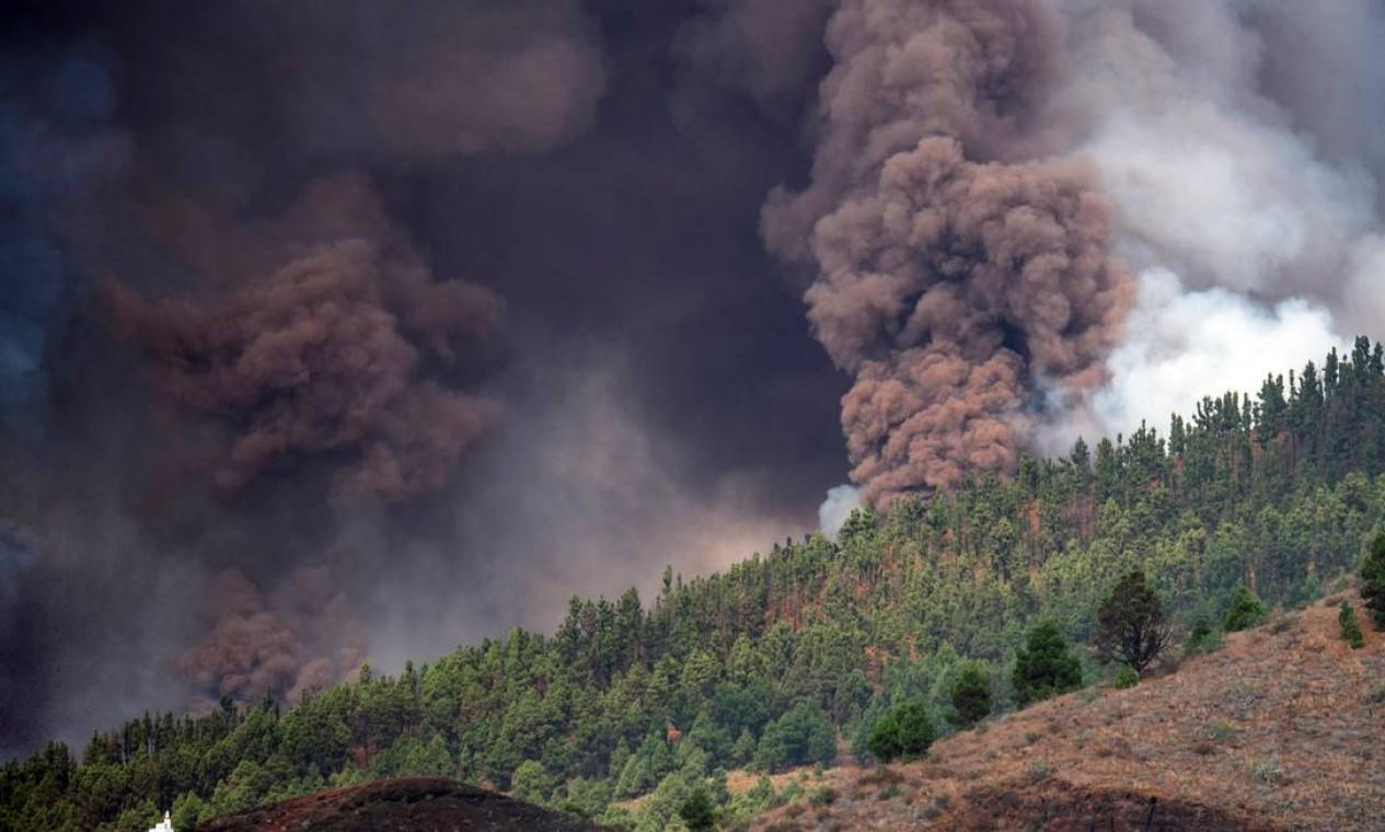 Milhares de pessoas foram evacuadas em El Paso por causa da erupção Foto: AFP