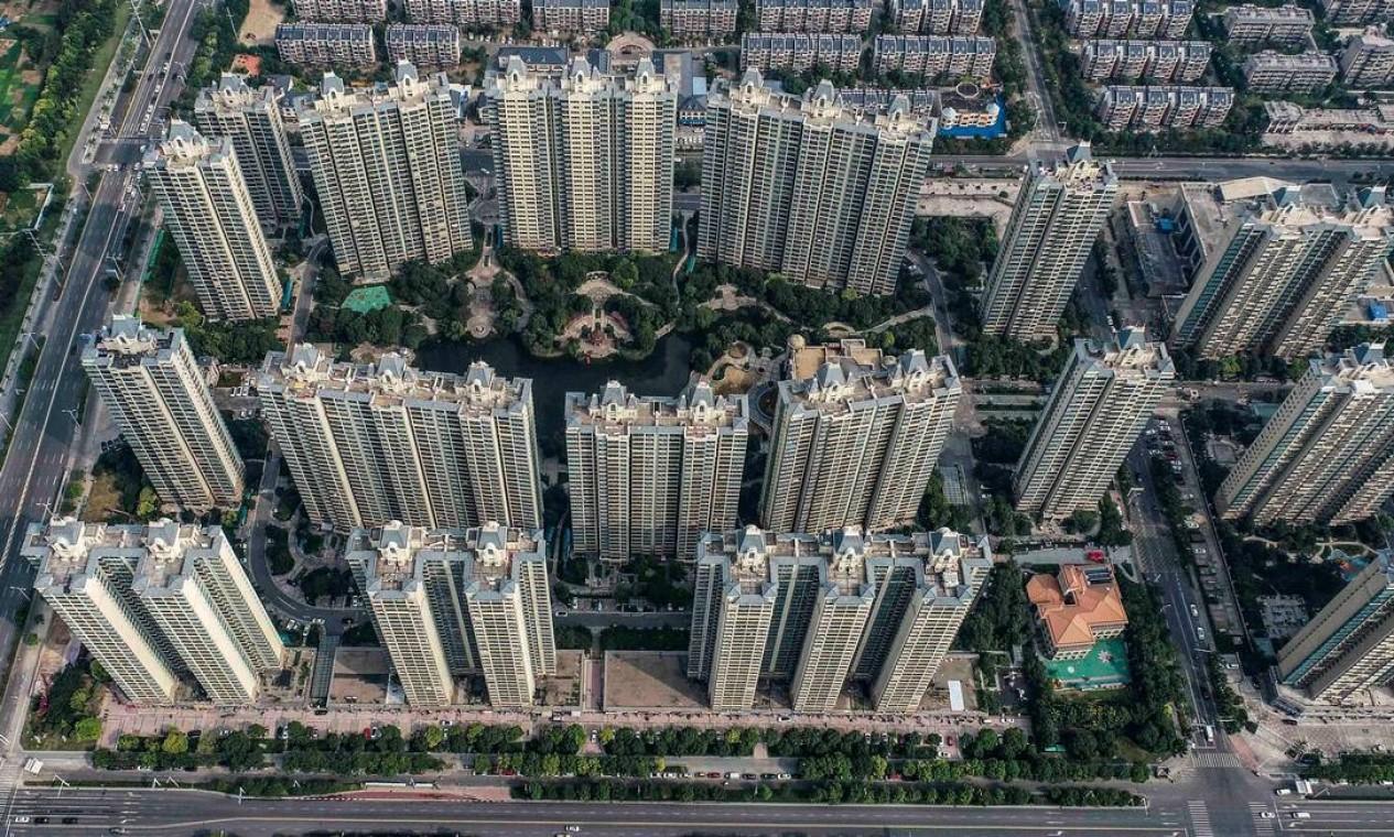 Foto aérea mostra complexo habitacional da incorporadora imobiliária chinesa Evergrande em Huaian, na província de Jiangsu Foto: STR / AFP