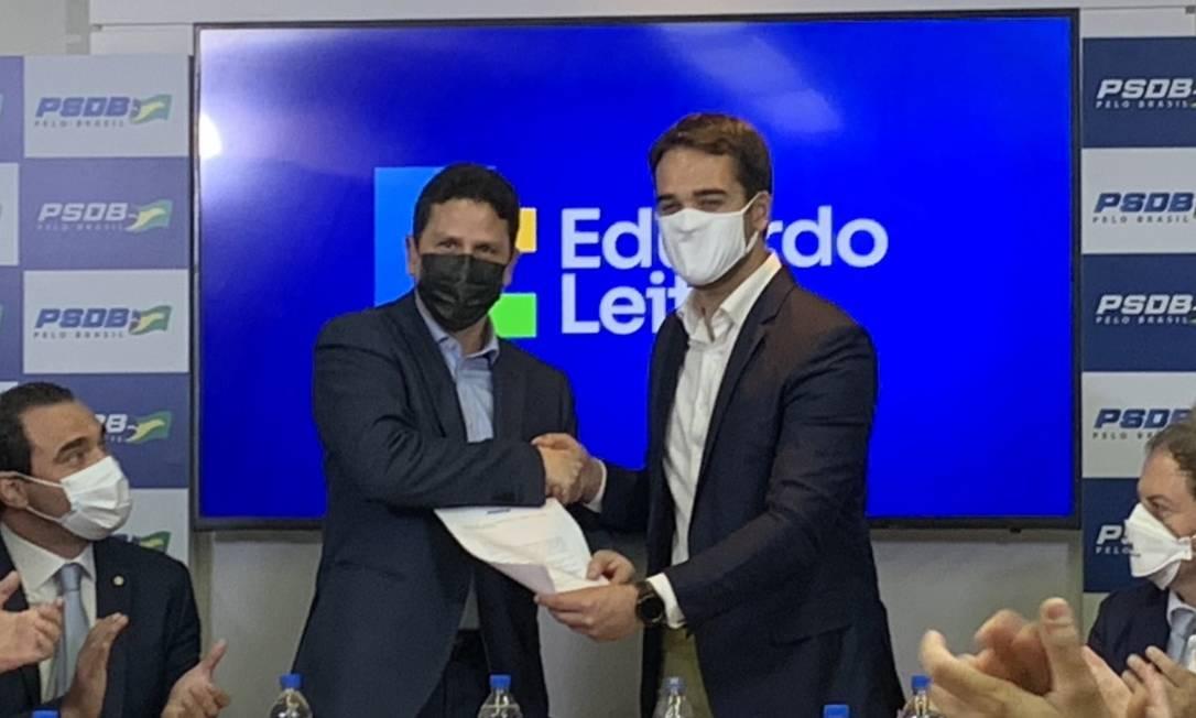 O presidente nacional do PSDB, Bruno Araújo, e o governador do Rio Grande do Sul, Eduardo Leite Foto: Paulo Cappelli / Agência O Globo